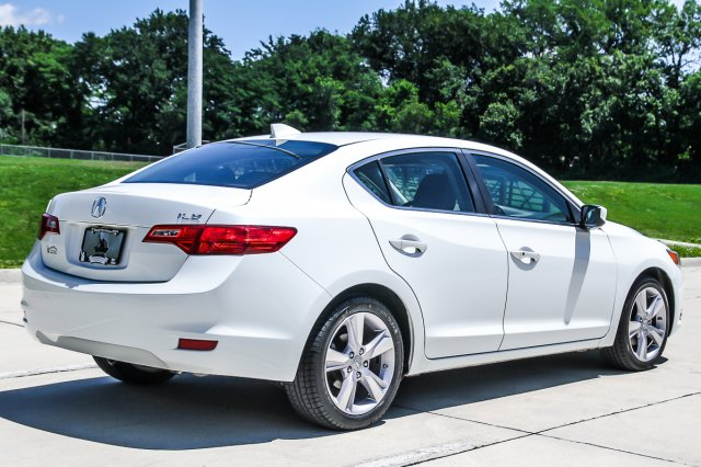 Certified Pre-Owned 2014 Acura ILX Tech Pkg