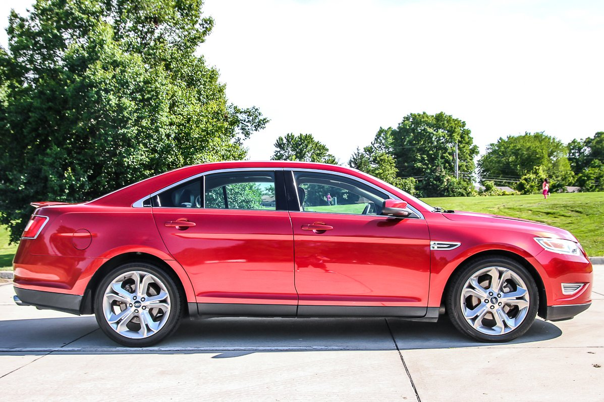 Certified Pre-Owned 2010 Ford Taurus SHO