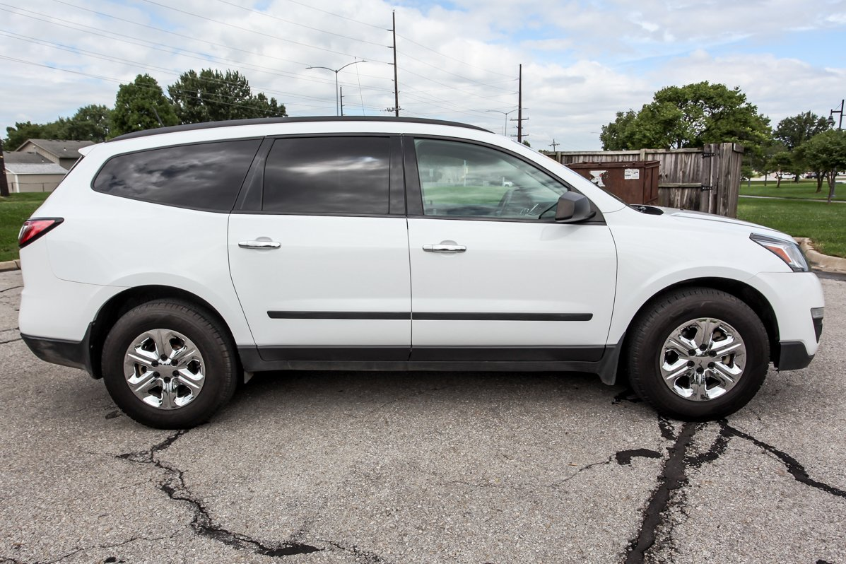 Certified Pre-Owned 2016 Chevrolet Traverse LS