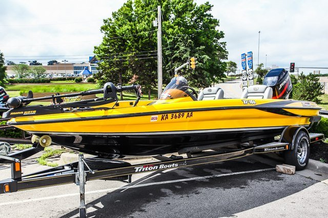 Pre-Owned 2006 OTHER MAKE TRITON