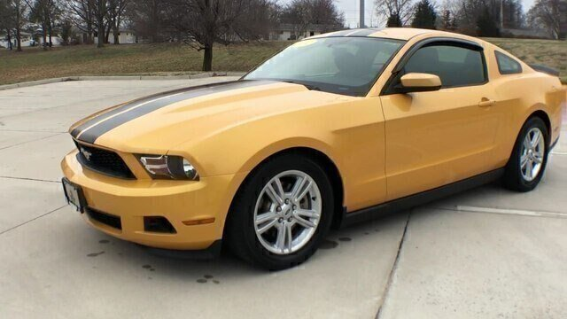 Certified Pre-Owned 2012 Ford Mustang V6