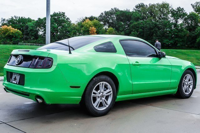 Certified Pre-Owned 2013 Ford Mustang V6