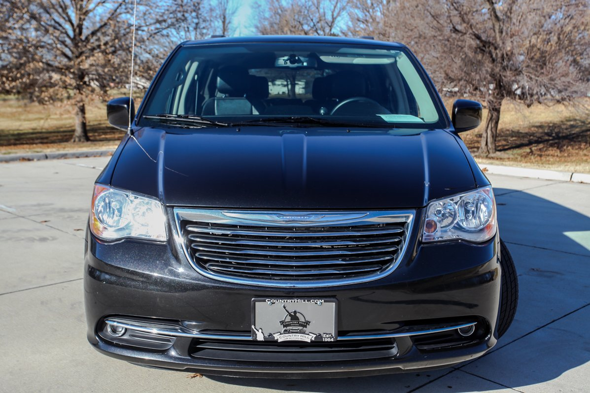 Certified Pre-Owned 2014 Chrysler Town & Country Touring
