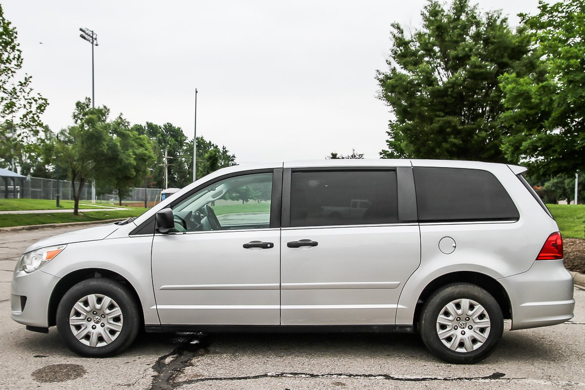 Certified Pre-Owned 2009 Volkswagen Routan S