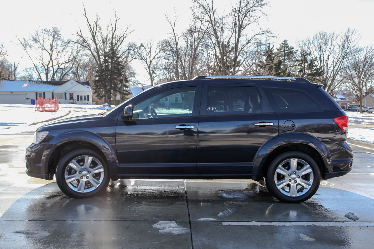 Certified Pre-Owned 2011 Dodge Journey R/T