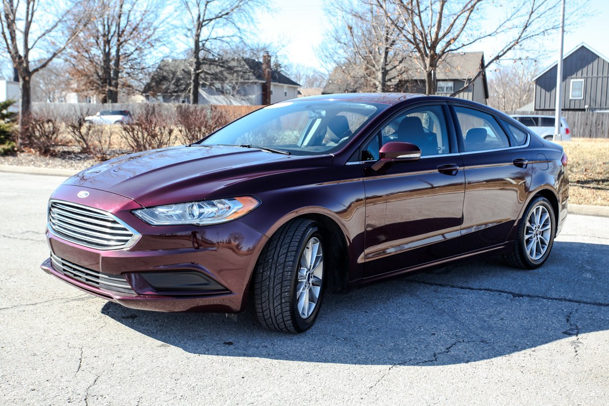 Pre-Owned 2017 Ford FUSION SE ECO BOOST