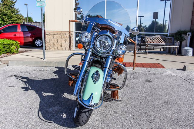 Pre-Owned 2017 INDIAN