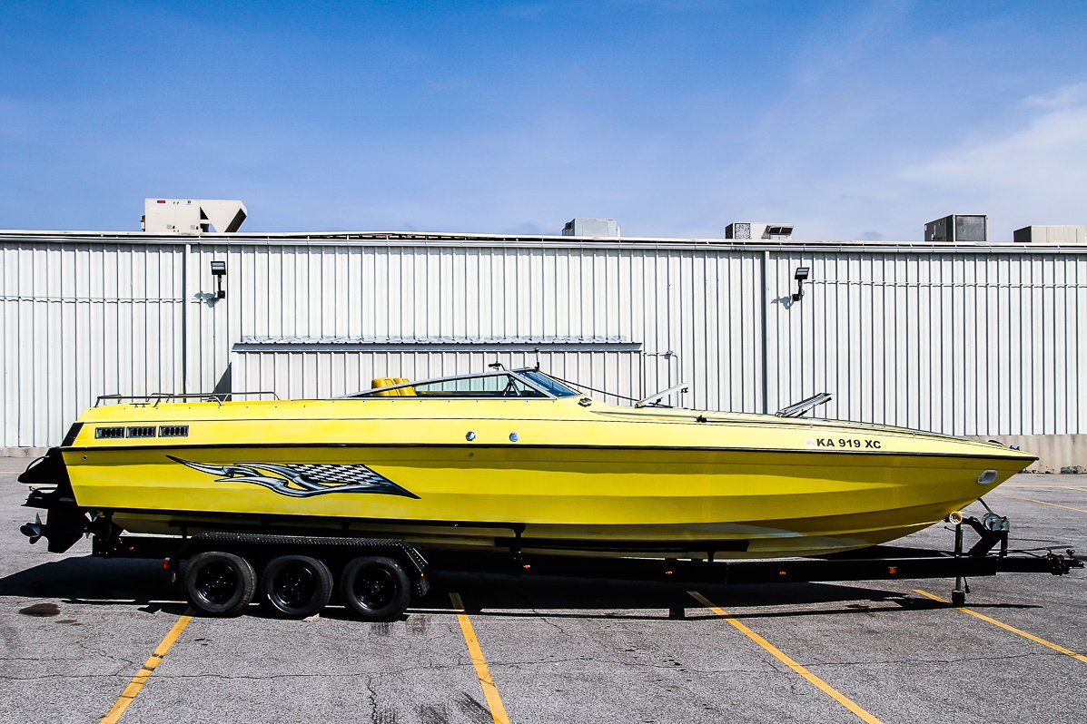 Pre-Owned 1986 CHRIS CRAFT 312 BOAT