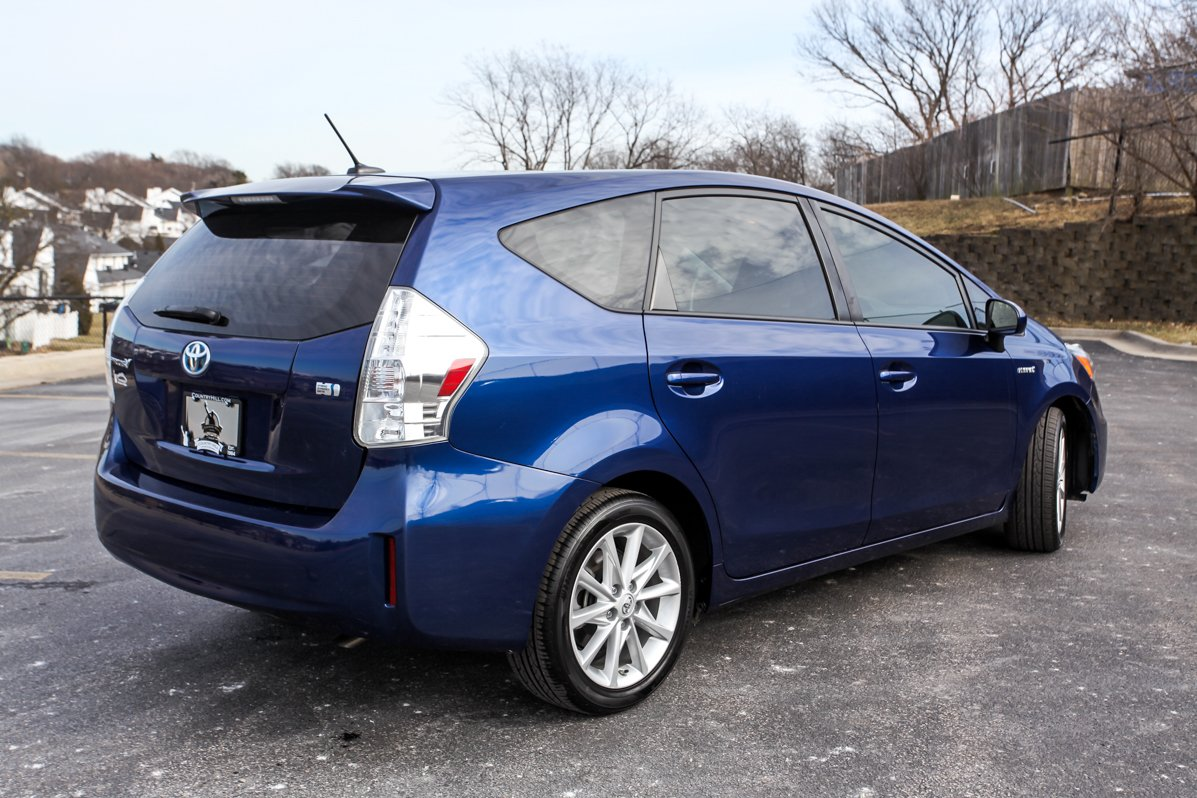 Certified Pre-Owned 2014 Toyota Prius v Five