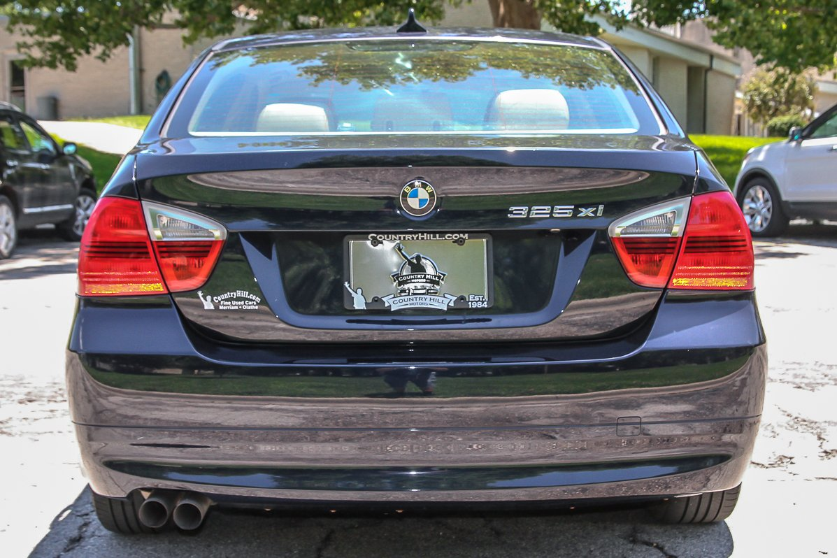 Pre-Owned 2006 BMW 3 Series 325xi