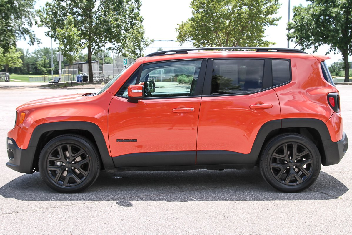 Certified Pre-Owned 2017 Jeep Renegade Altitude